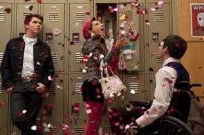 Glee 3 image 002